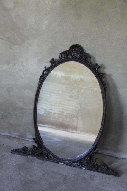 grote oude ovale spiegel unieke meubelen collectie inndoors. Black Bedroom Furniture Sets. Home Design Ideas