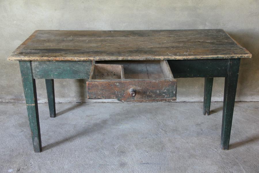 Oude houten tafel werkbank unieke meubelen collectie inndoors
